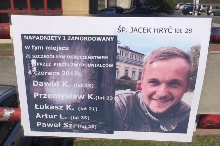 Śmierć Jacka Hrycia: oskarżeni zostają w areszcie