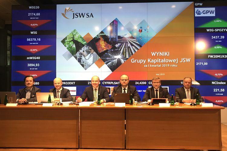 Wiemy ile zarabia Zarząd i Rada Nadzorcza JSW. Kwoty szokują!