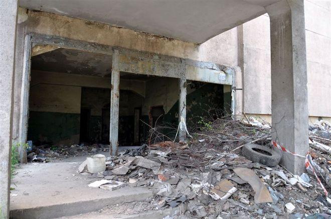 """Łaźnia przy KWK """"Moszczenica"""" niszczeje, a miasto załamuje ręce, Jerzy Lis"""