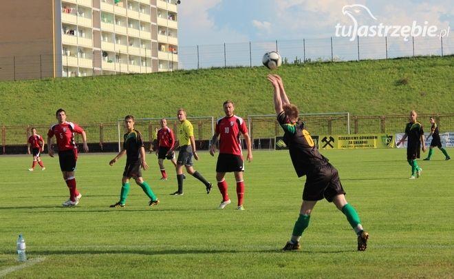 Piłka nożna: zmienia się terminarz rozgrywek, pww