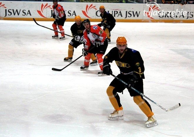 Hokej: w pojedynku górniczych klubów lepsi jastrzębianie, archiwum