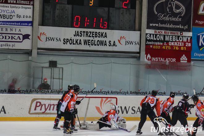 Przemysław Odrobny zagrał cały mecz przeciwko Krynicy