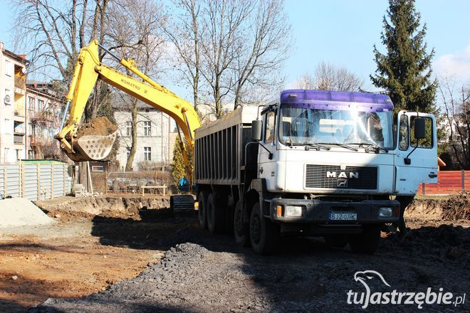 Maszyny wjechały na plac budowy. Dąbrówka buduje nowy hotel, pww