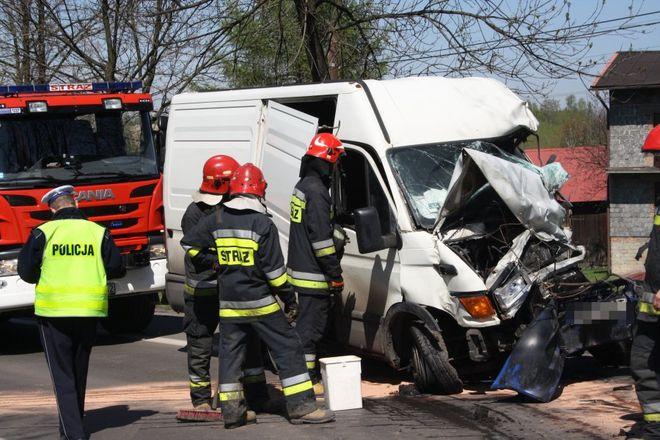 Śmiertelny wypadek na ulicy Wodzisławskiej. Kierowca punto zderzył się z ciężarówką, KMP w Jastrzębiu-Zdroju