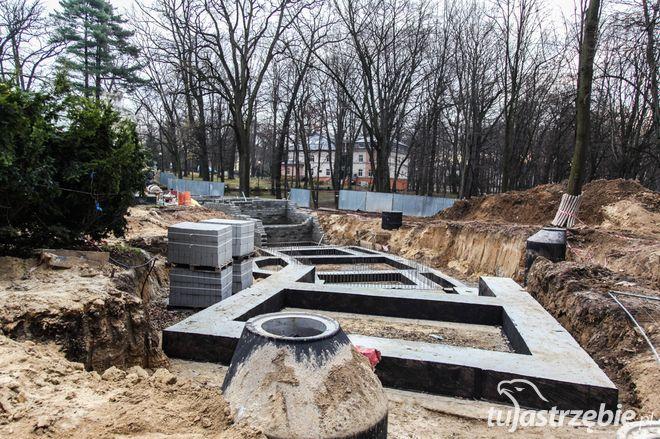 Inhalatorium solankowe: robotnicy kończą budowę fundamentów, Andrzej Klocek