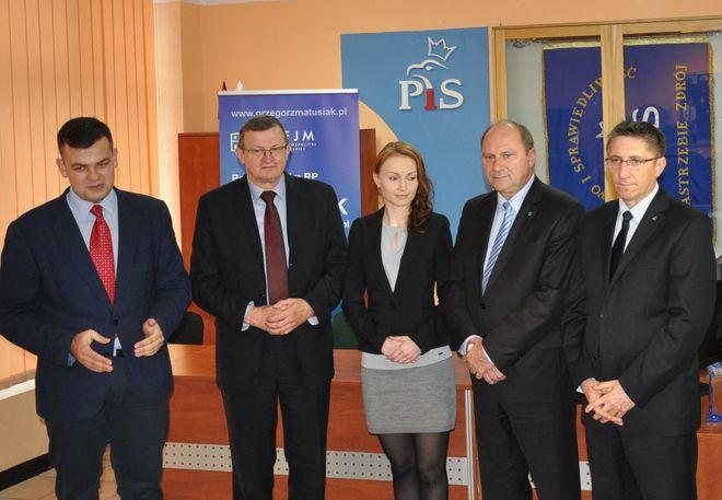 Od lewej: Szymon Klimczak, Tadeusz Cymański, Iwona Domagała, Marian Janecki i Grzegorz Matusiak