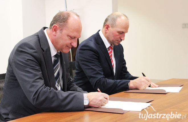 Porozumienie podpisane. KNP poparł Mariana Janeckiego, pww