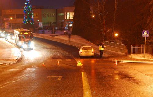 Potrącenie pieszej na skrzyżowaniu ulicy Mazowieckiej z Wielkopolską.