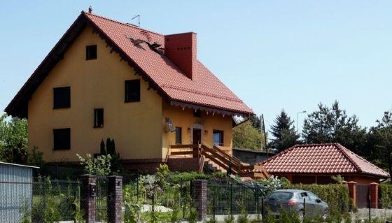 Dom został odbudowany po pożarze, który zniszczył go w 2011 roku