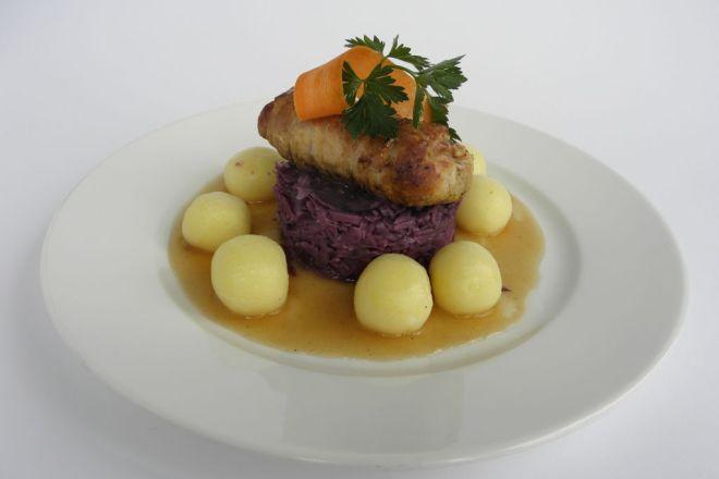 Mieszkańcy Śląska lubią poznawać nowe potrawy. Nie oznacza to jednak, że zapominają o poczciwej roladzie czy kluskach