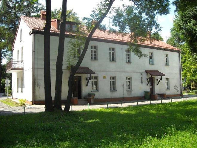 Właśnie ten obiekt kupili właściciele Hotelu Dąbrówka