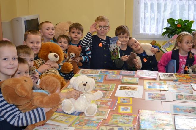 Dzieciaki z SP 17 świętowały Dzień Pluszowego Misia, www.sp17jastrzebie.pl