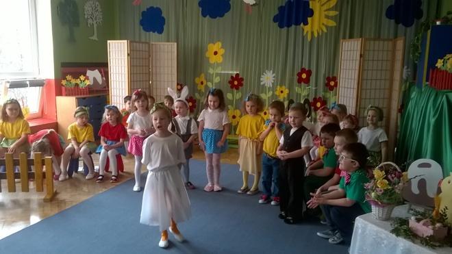 Przedszkolaki w oczekiwaniu na Wielkanoc przygotowały spektakl , materiały prasowe PP 6