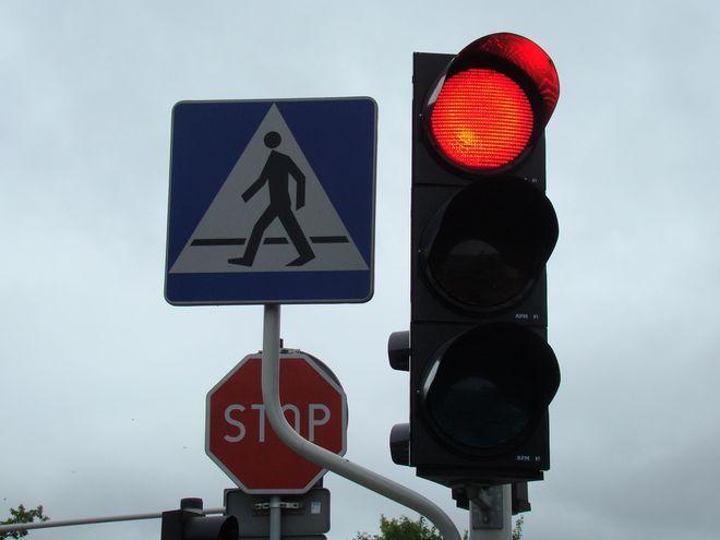 Trwa budowa sygnalizacji świetlnej na skrzyżowaniu ulic Pszczyńska-Al. Piłsudskiego-Rybnicka