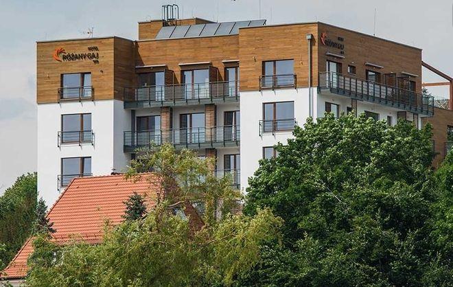 Hotel ''Różany Gaj'' wybudowano w 1929 roku