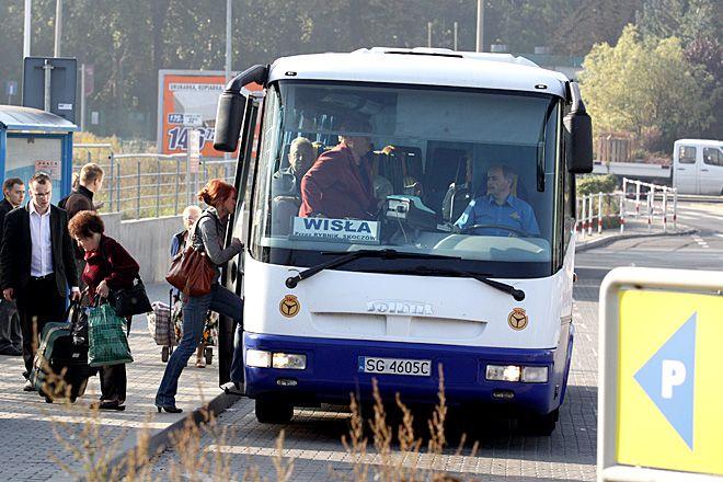 Zła sytuacja PKS-u w Rybniku zmusza sąsiednie gminy do podejmowania trudnych decyzji