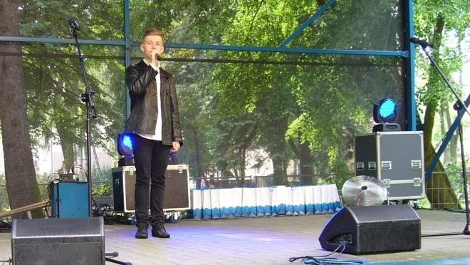 Piotr Wdowczyk, zdobywca Grand Prix podczas XXXIV Festiwalu Piosenki Dziecięcej im. Tadeusza Paprotnego