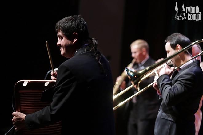 Posłuchaj South Silesian Brass Band i zobacz niezwykły pokaz tańca jazzowego, archiwum