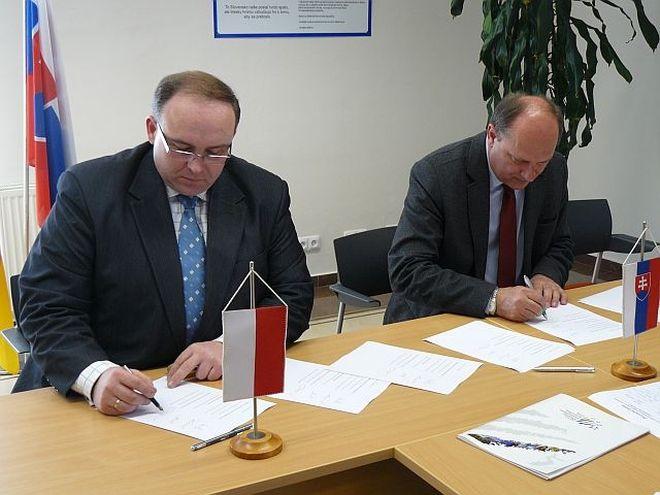 Prezydent  podpisał umowę o współpracy transgranicznej, www.olza.pl