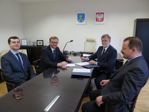 Logistycy i spedytorzy będą się kształcić w JAS FBG S. A., UG w Pawłowicach
