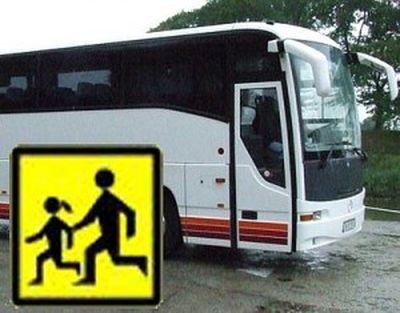 Twoje dziecko wybiera się na wakacje? Skontroluj autokar, którym pojedzie,