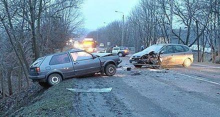 Czołowe zderzenie na Wodzisławskiej, Źródło: KMP w Jastrzębiu-Zdroju