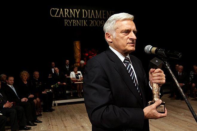 W 2010 roku Jerzy Buzek został Honorowym Obywatelem Miasta Rybnika