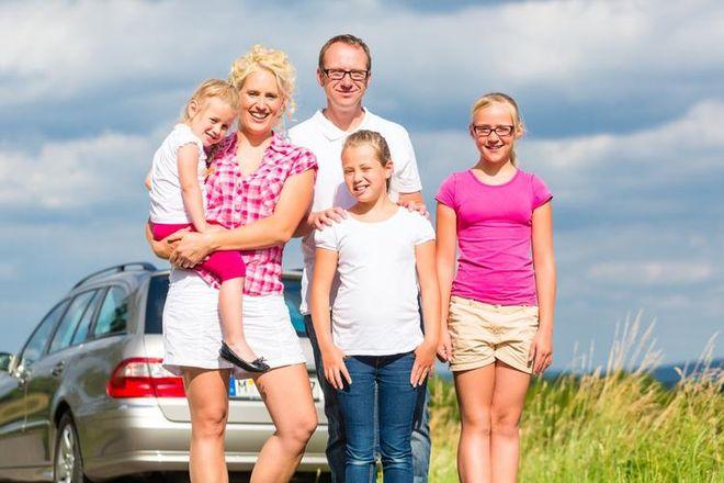Wyjeżdżasz samochodem na wakacje? Oto kilka przydatnych wskazówek przed podróżą, materiały prasowe