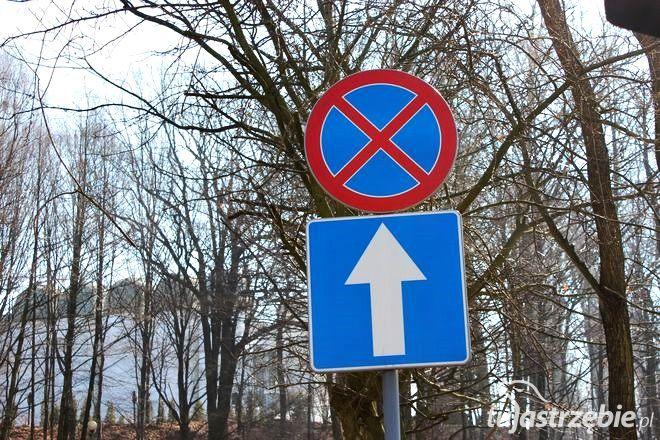Ten znak jest prawdziwą zmorą wszystkich zmotoryzowanych wiernych kościoła NMP Matki Kościoła w Jastrzębiu-Zdroju
