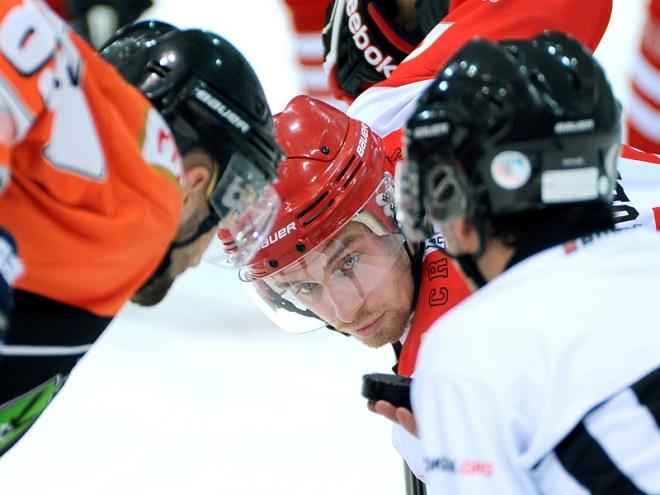 JKH GKS Jastrzębie po raz kolejny przegrywa mecz Polskiej Hokej Ligi. Tym razem w ciężkim boju uległ w rzutach karnych Cracovii