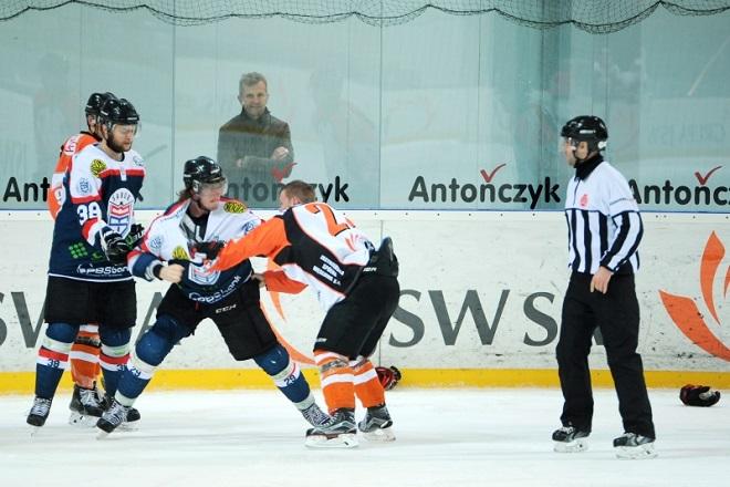 JKH GKS Jastrzębie podejmie na Jastorze drużynę STS-u Sanok. Do gry po kontuzji wraca co najmniej czterech graczy