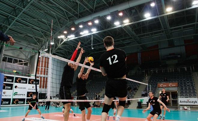 Siatkarze Jastrzębskiego Węgla korzystając z przerwy w meczach Plus Ligi rozegrali sparing z MKS-em Będzin
