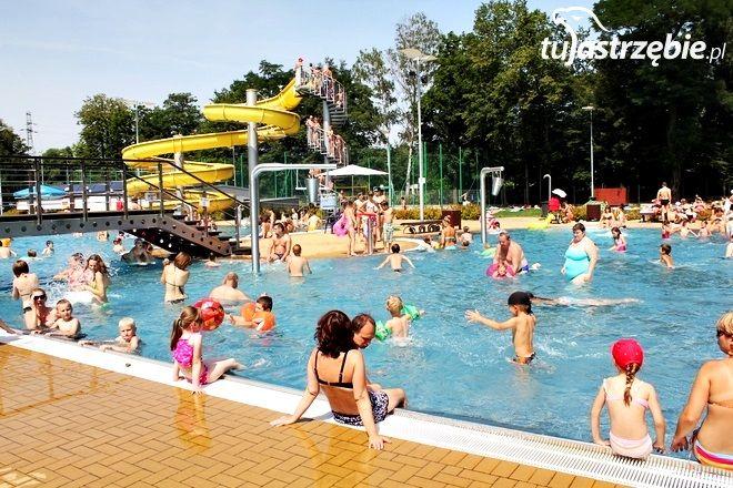 W weekend otwarto basen w Zdroju, pww