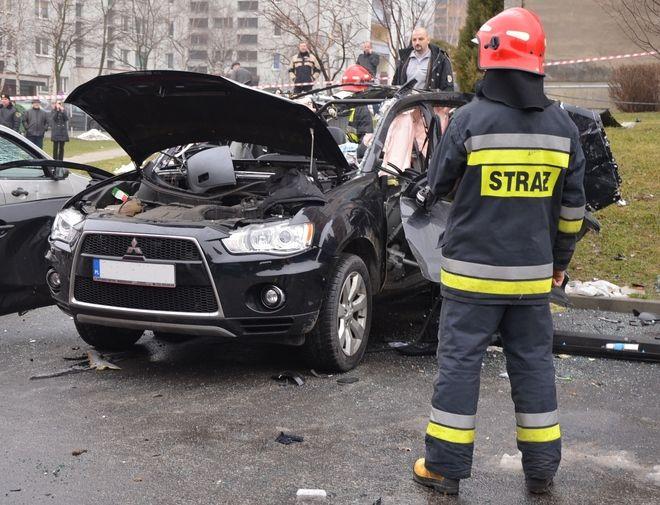 Po eksplozji auta ofiara trafiła do szpitala psychiatrycznego, KM PSP w Jastrzębiu-Zdroju