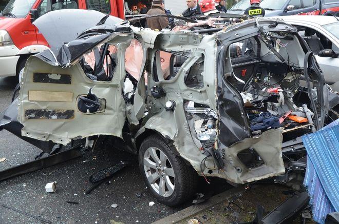 Tragedia przy ul. Korfantego.  Mężczyzna spłonął w samochodzie, archiwum