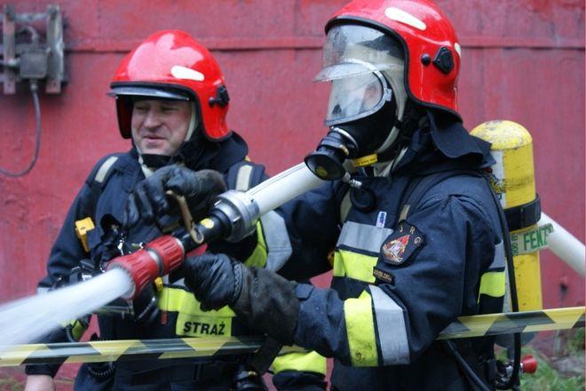 Tąpnęło i zawaliły się budynki. Strażacy gasili ogromny pożar, R. Stelmaczonek