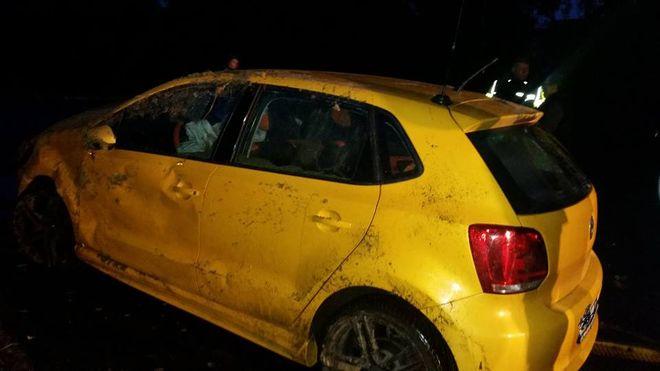 Volkswagen dachował na Gagarina. Dwoje dzieci znalazło się w szpitalu, źródło: Facebook - Jastrzębie 112