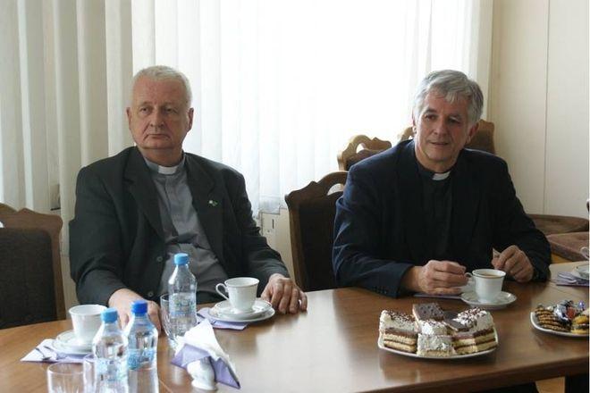 Dotychczasowi proboszczowie: ks. Wacław Basiak i ks. Marek Szkudło kilka dni temu odwiedzili prezydenta