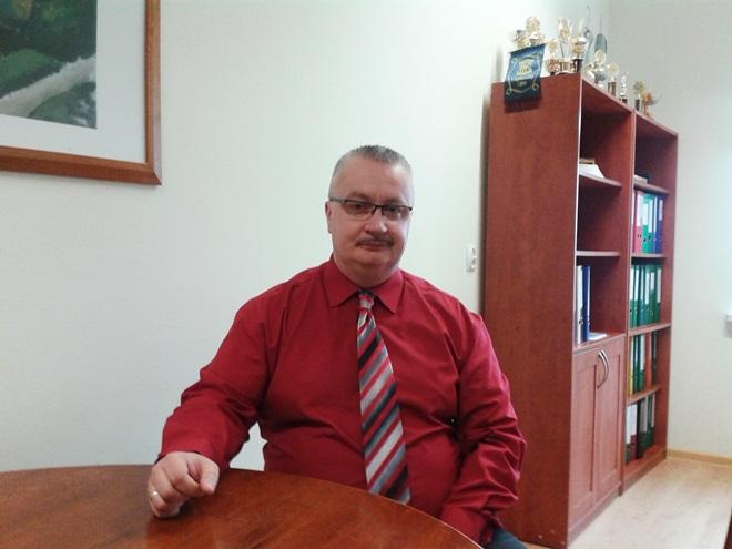 http://www.tujastrzebie.pl/pliki/wywiady/milos_dyrektor.jpg